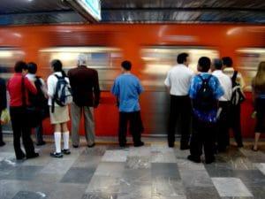 Vue du métro à Mexico