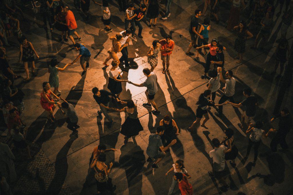 Gens faisant de la danse à Mexico